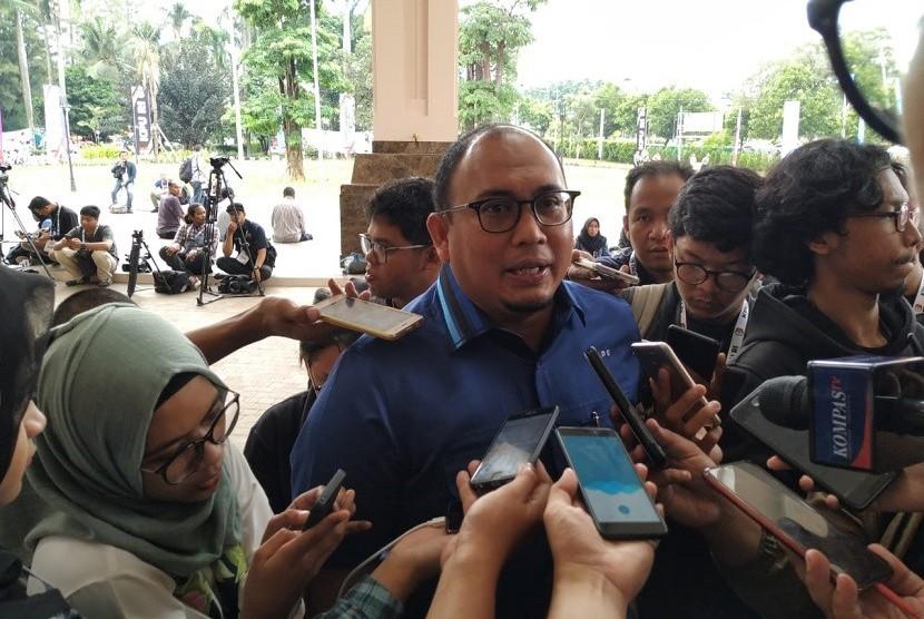 Juru Bicara Badan Pemenangan Nasional (BPN) Prabowo Subianto-Sandiaga Uno, Andre Rosiade, di Hotel Sultan, Jakarta Pusat, Ahad (17/3).