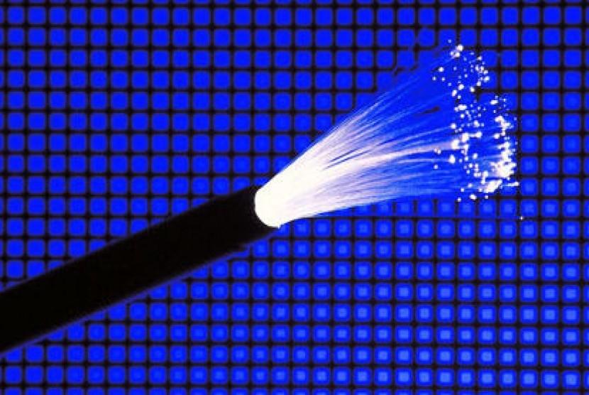 Kabel Serat Optik (ilustrasi)