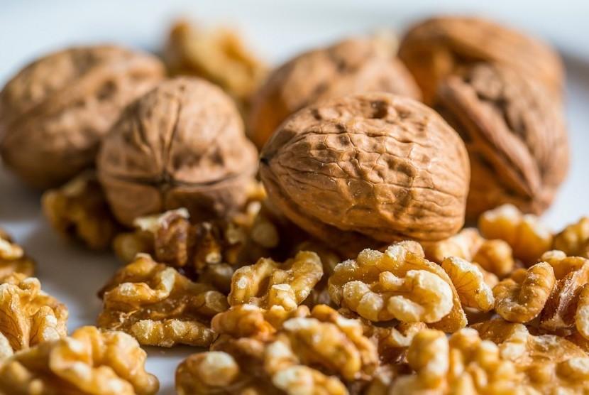 Kacang Kenari Kudapan Tepat untuk Diabetes | Republika Online