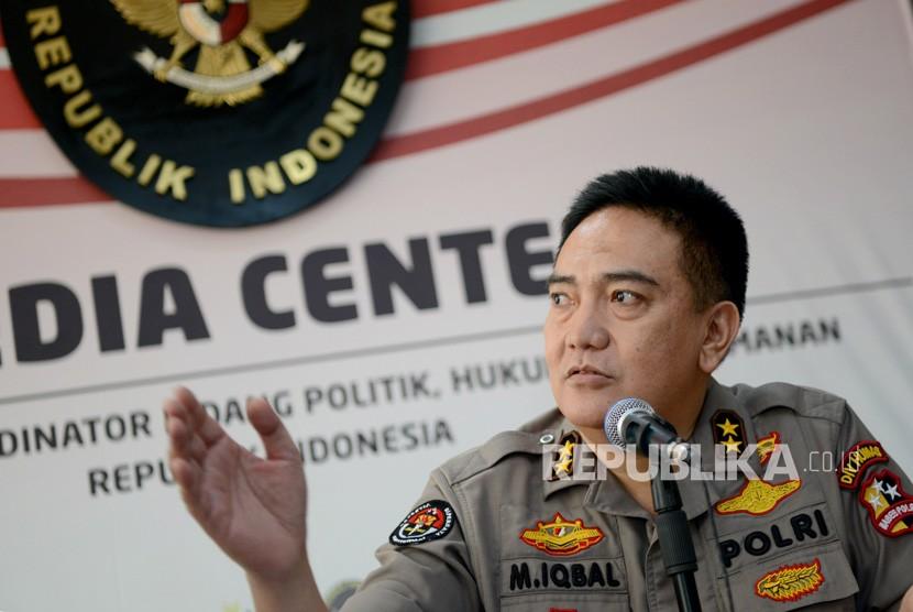Kadiv Humas Polri Irjen Pol M. Iqbal memberikan keterangan pada wartawan terkait perkembangan kericuhan 21-22 Mei 2019 di Media Center Kemenko Polhukam, Jakarta, Selasa (11/6/2019).