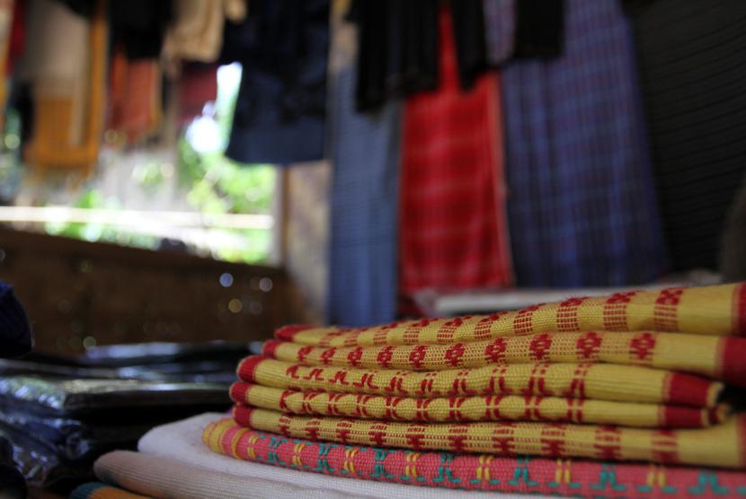 Kain tenun Baduy  (foto : MgROL_37)
