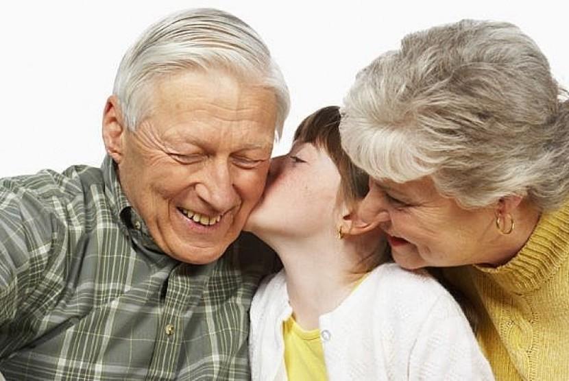 Kakek, nenek, dan cucu/ilustrasi