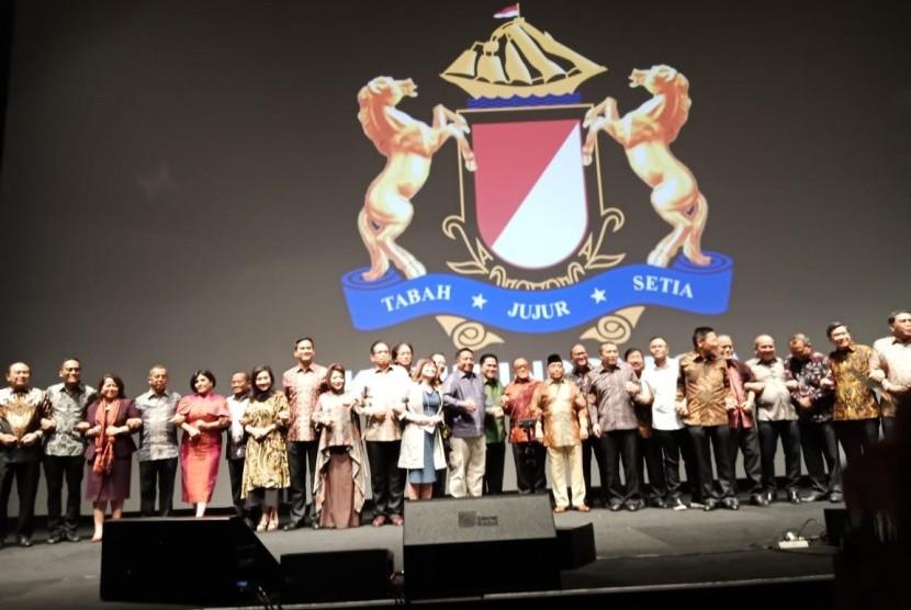 Kamar Dagang dan Industri Indonesia (Kadin) dalam acara malam rembuk pengusaha nasional, di Djakarta Theater, Jakarta, Selasa (23/4). Dalam kesempatan tersebut, Kadin mengajak seluruh pihak untuk menjaga persatuan.