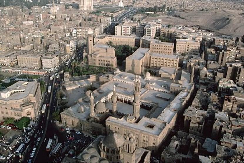 Kampus Universitas Al-Azhar, Kairo, Mesir, dilihat dari udara.
