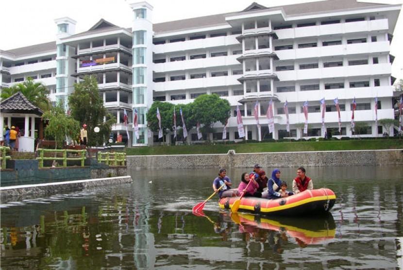 Kampus Universitas Muhammadiyah Malang (UMM) meraih peringkat pertama daftar universitas Islam top dunia 2021 versi UniRank.