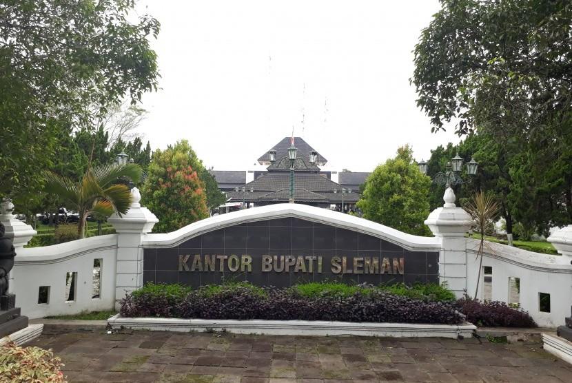 Kantor Pemerintah Kabupaten Sleman.