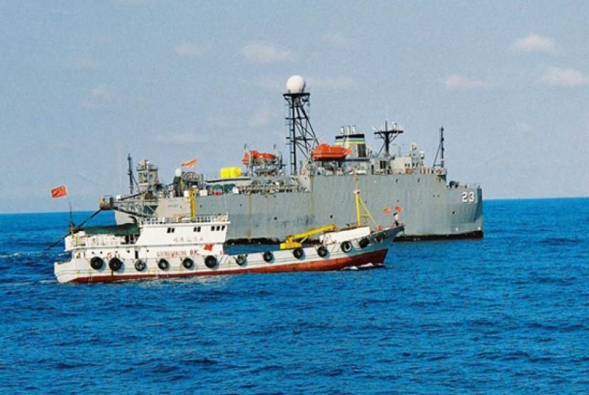 Kapal Cina berpatroli di Laut Cina Selatan