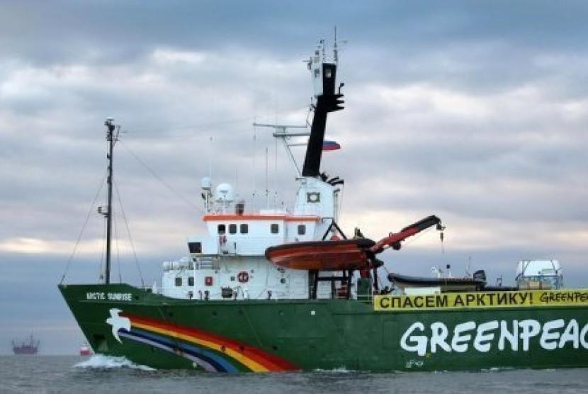 Kapal Greenpeace Arctik Sunrise