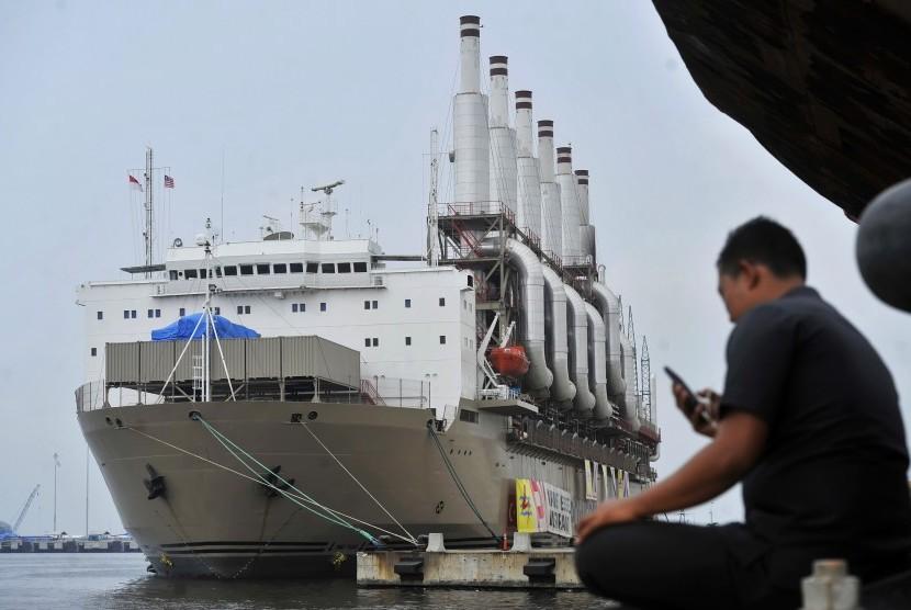 Kapal pembangkit listrik Marine Vessel Power Plant. (Ilustrasi)