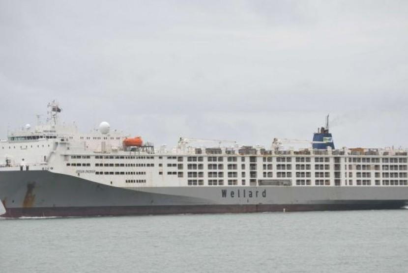 Sebuah kapal (ilustrasi).