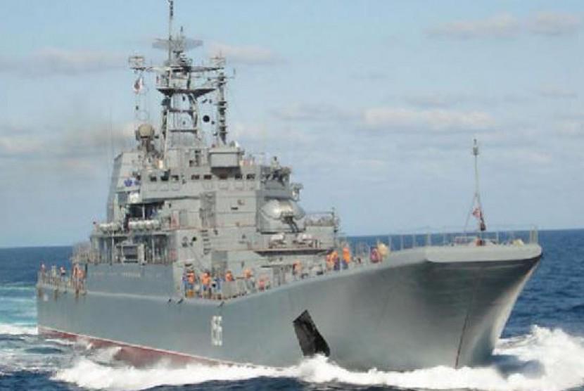 Kapal perang Rusia.