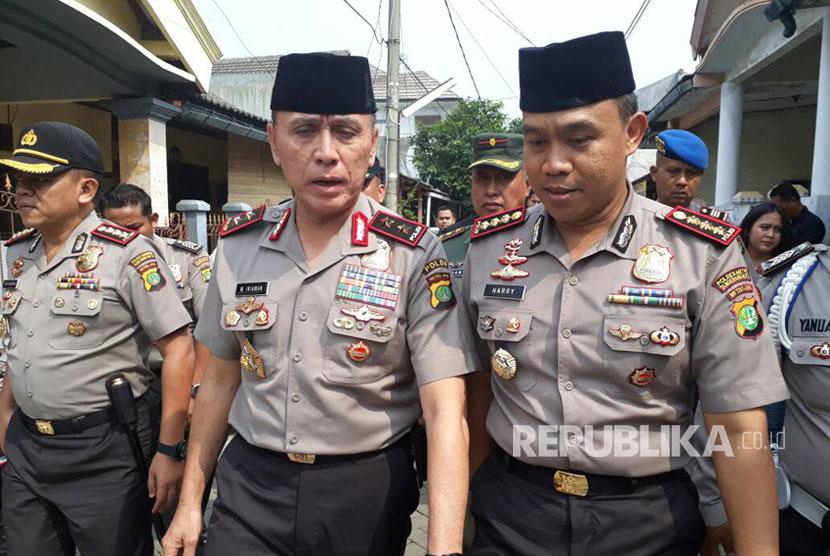 Kapolda Metro Jaya Irjen Pol M. Iriawan datang melayat ke rumah Italia Chandra Kirana Putri, Selasa (13/6).