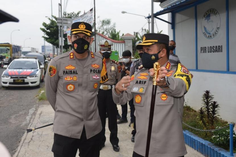 Kapolresta Cirebon, Kombes Pol Arif Budiman dan Kapolres Brebes, AKBP Faisal Febrianto, sepakat membuat posko terpadu di perbatasan Jabar dan Jateng, Rabu (14/7). Rencananya  posko terpadu itu dibuka mulai Jumat (16/7).