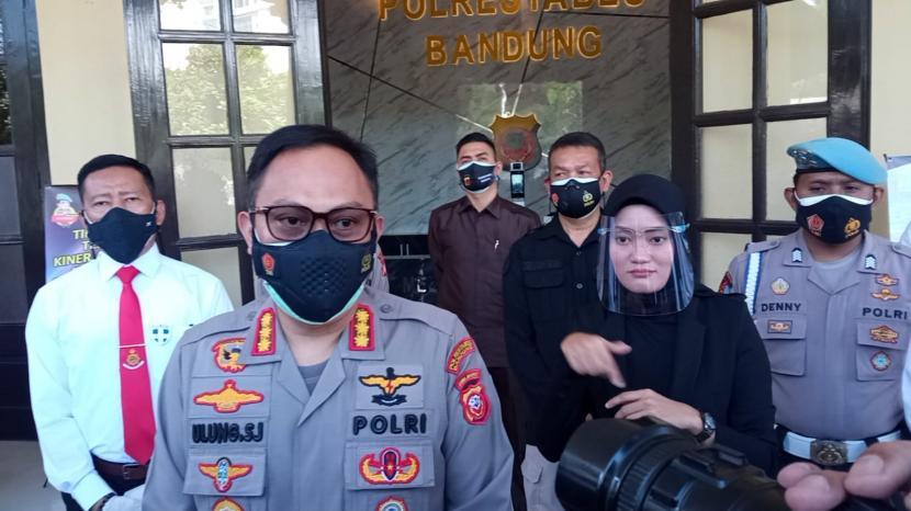 Kapolrestabes Bandung, Jawa Barat, Kombes Ulung Sampurna Jaya meminta masyarakat agar tidak melakukan aksi pada 24 Juli 2021. Sebab, aksi itu berpotensi meningkatkan penyebaran COVID-19. (Foto: Kombes Ulung Sampurna Jaya)