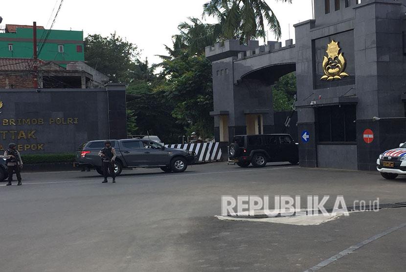 Kapolri Jenderal Muhammad Tito Karnavian tiba di Mako Brimob, Kelapa Dua, Depok, Jawa Barat, Jumat (11/5) pukul 13.40