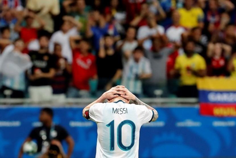 Kapten Timnas Argentina Lionel Messi gagal membawa timnya menang atas Kolombia di pertandingan pertama grup B Copa Amerika, Senin (16/6) pagi WIB.