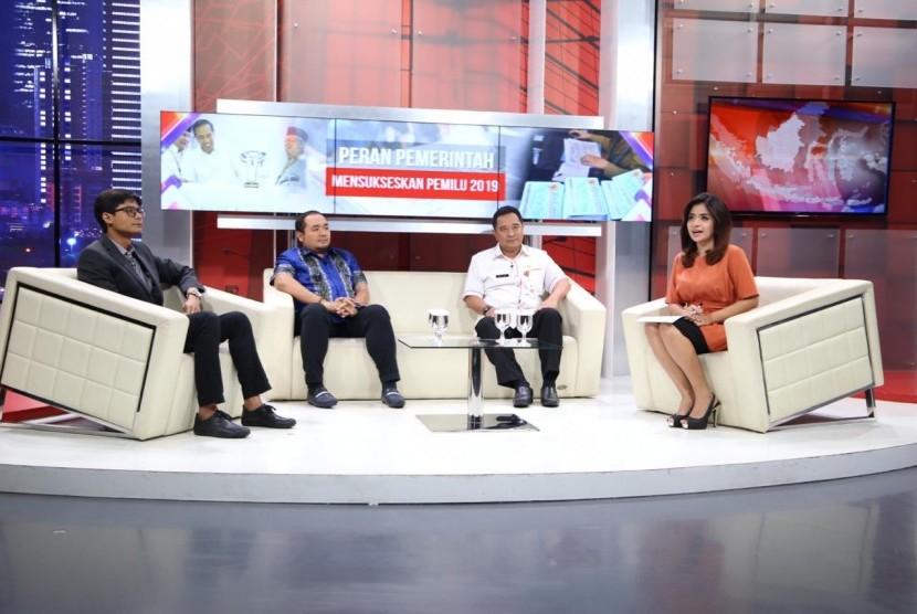 Kapuspen Kemendagri Bahtiar saat menjadi narasumber dalam acara dialog di stasiun televisi