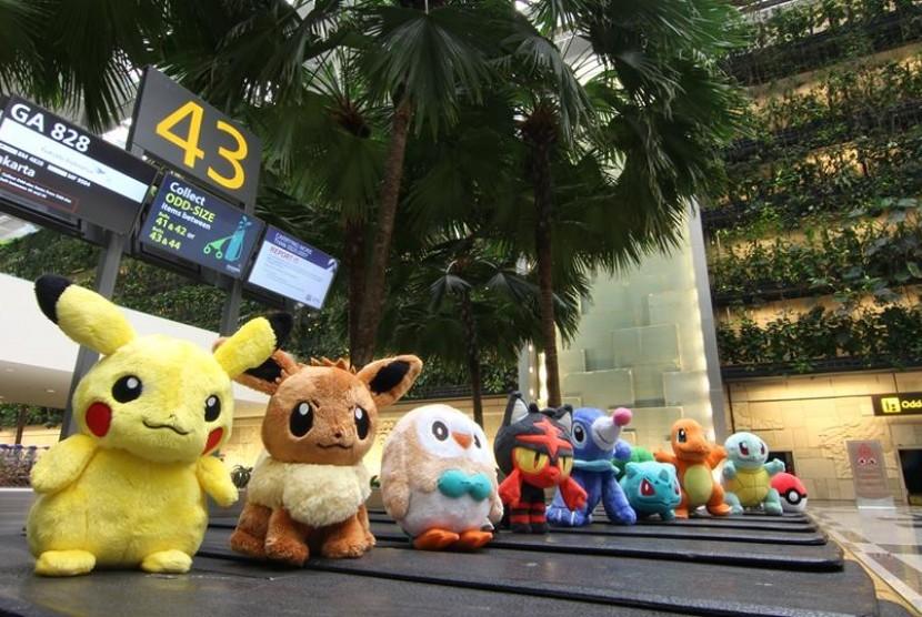 Karakter Pokemon menghiasi Bandara Changi Singapura sebagai bagian kemeriahan akhir tahun.
