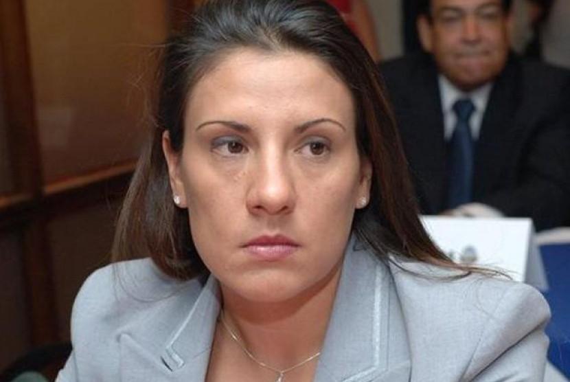 Video Vulgarnya Beredar, Menteri Wanita Ini Dipecat