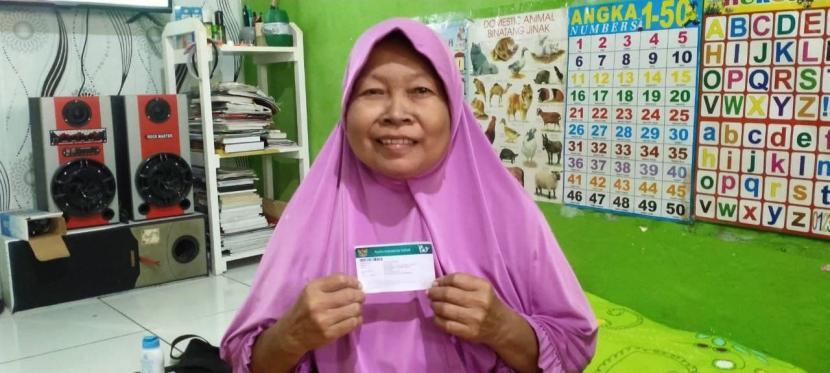 Kasiyem mengaku beruntung selama menjalani pengobatan ia tidak mengeluarkan biaya sama sekali karena telah tedaftar sebagai peserta Jaminan Kesehatan Nasional-Kartu Indonesia Sehat (JKN-KIS) segmen Pekerja Bukan Penerima Upah (PBPU) kelas 3.