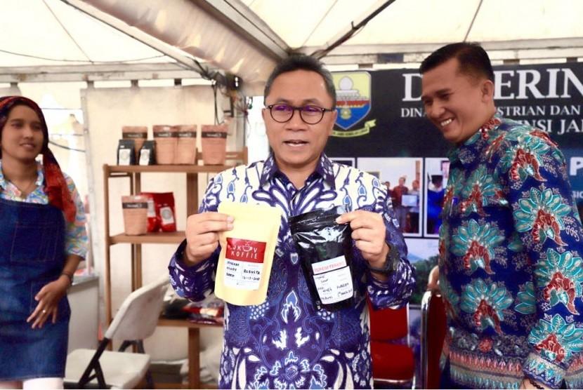 kata Ketua MPR RI, Zulkifli Hasan pada acara Pencanangan Hari Kopi Nasional dan Ikrar Pengurus Dewan Kopi Indonesia (Dekopi) di Intermark, Kota Tangerang Selatan, Ahad (11/3).