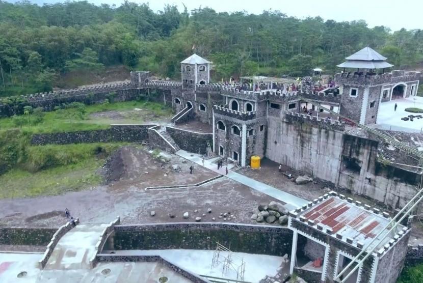 The Lost World Castle Tutup Pengelola Akan Gugat Perpres Ke Mk Republika Online