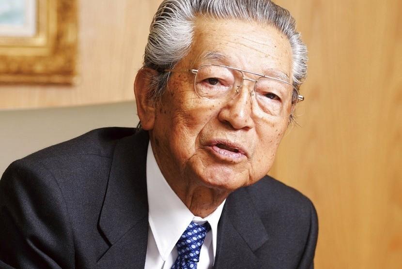 Kazuo Kashio, salah satu dari empat bersaudara yang mendirikan Casio Computer Co, perusahaan Jepang di balik jam tangan G-Shock. Kazuo meninggal pada 18 Juni 2018 pada usia 89 tahun.