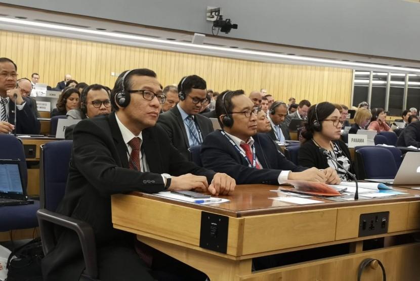 """Keaktifan Indonesia di setiap sidang IMO termasuk sidang Dewan IMO ke 122 ini merupakan modal bagi Indonesia yang akan kembali berjuang dalam pemilihan sebagai anggota Dewan IMO kategori """"C"""" periode 2020-2021."""