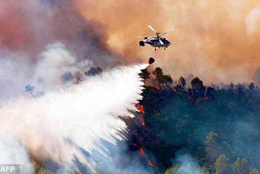 Kebakaran hutan masih melanda Valencia, Spanyol