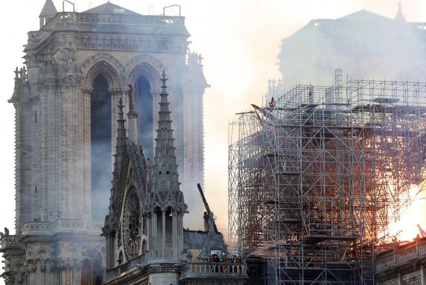Kebakaran Katedral Notre-Dame di Paris