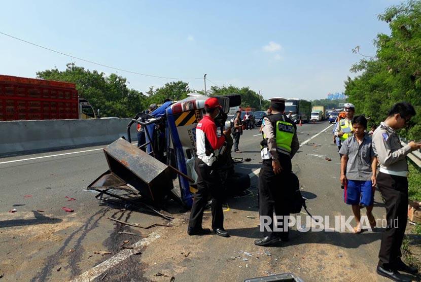 Kecelakaan beruntun mewarnai gelaran olah tempat kejadia  perkara (TKP) di KM 91 Tol Cipularang, Desa Cibodas, Kecamatan Sukatani, Purwakarta (Ilustrasi).