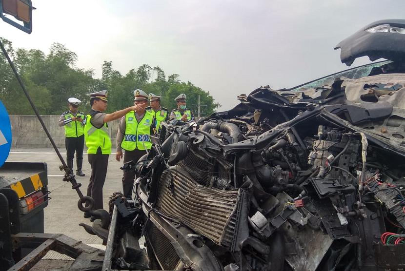 Kecelakaan Maut Tol Sumo Tewaskan Lima Orang