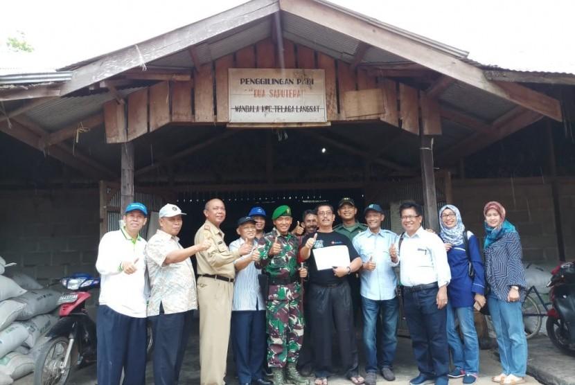 Kegiatan serap gabah (sergap) petani di Kalimantan Selatan.