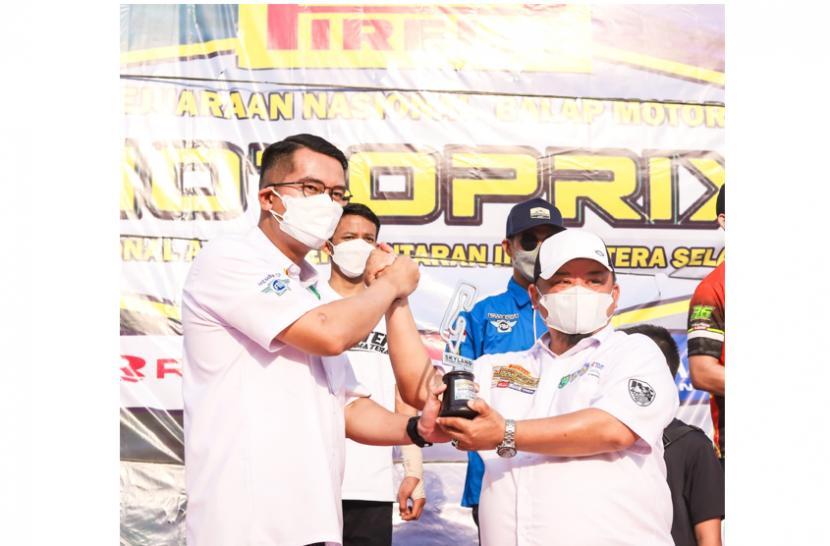 Kejuaraan Nasional (Kejurnas) Motoprix Region A Putaran 3 Sumsel Piala Presiden 2021 digelar di Sirkuit Internasional Skyland Sekayu Kabupaten Muba, 18-19 September 2021 telah usai.