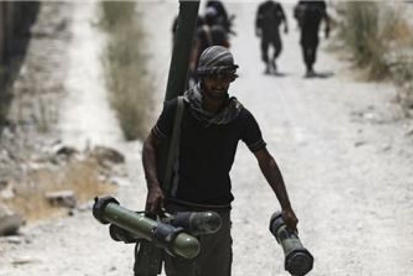 Kelompok pemberontak Suriah mengambil amunisi