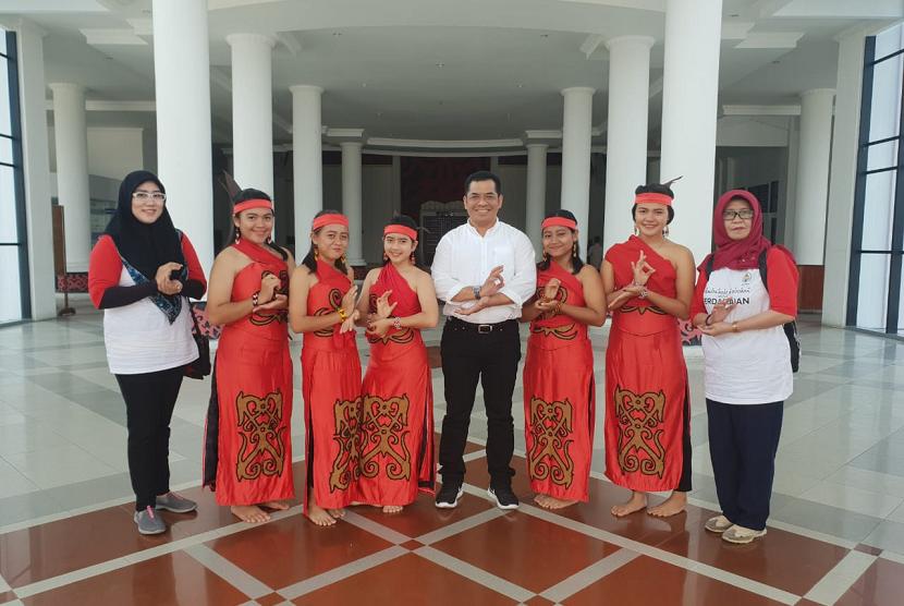 Kemendes PDTT menggelar kegiatan Penguatan Pranata Adat untuk Perdamaian di Kecamatan Ngabang, Kabupaten Landak, Kalimantan Barat.