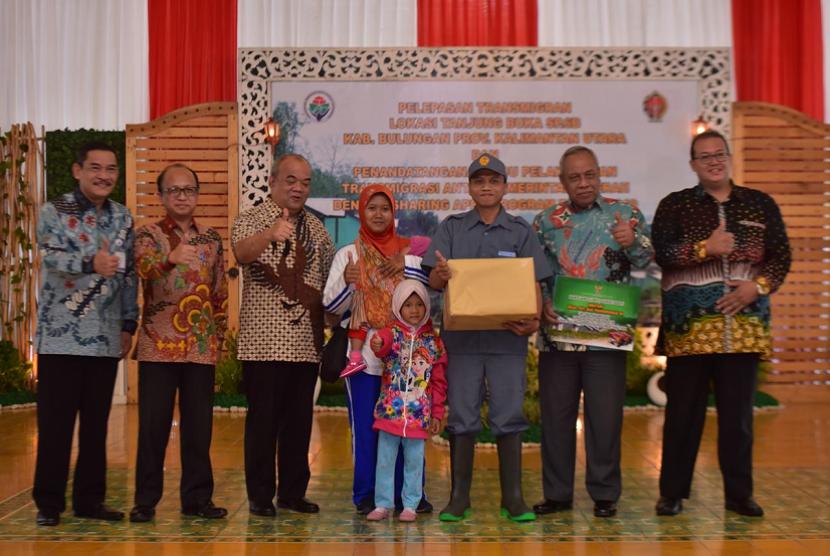 Kemendes PDTT Pelepasan transmigran Yogyakarta ke Kaltara.