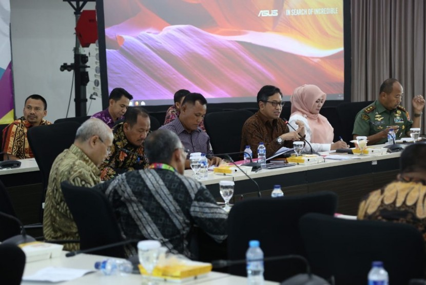 Kemenko PMK mengadakan rapat koordinasi untuk menindaklanjuti arahan Presiden tentang percepatan penanganan dampak bencana tsunami Selat Sunda.