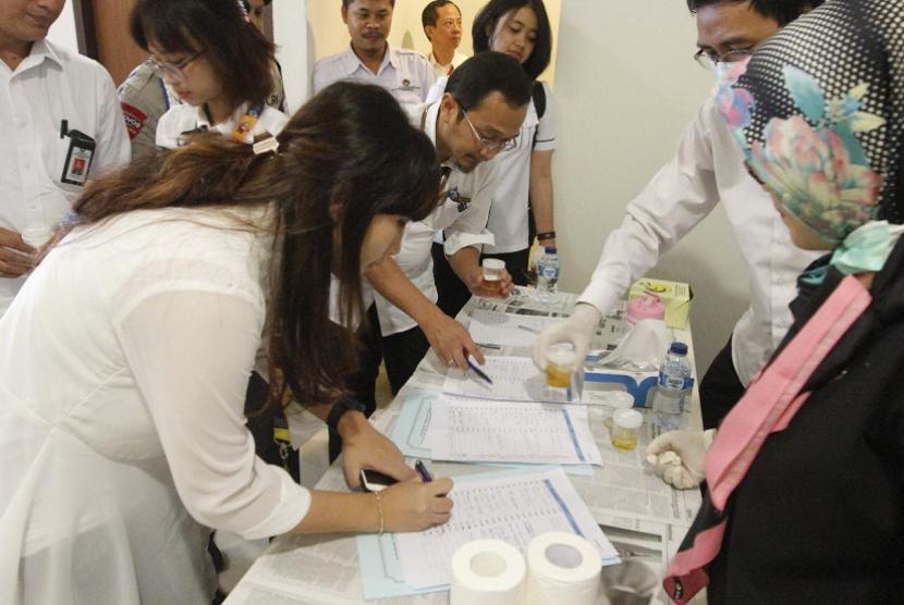 Kemenko PMK menggelar tes narkoba secara mendadak di lingkungan Kemenko PMK.