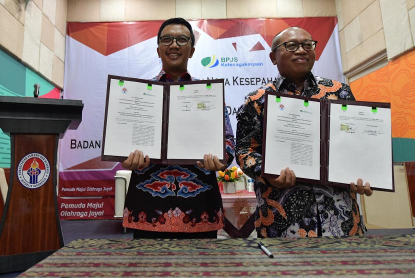 Kemenpora melakukan penandatanganan dengan BPJS Ketenagakerjaan. Penandatanganan ini berlangsung di Media Center Kemenpora, Jakarta, Jumat (3/5).