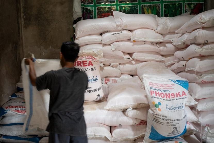 Distributor Dan Pengecer Agar Jual Pupuk Subsidi Sesuai Het Republika Online