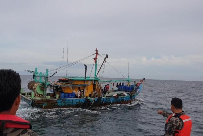 Kementerian Kelautan dan Perikanan kembali menangkap satu kapal perikanan asing (KIA) berbendera Malaysia di perairan Selat Malaka pada Selasa (18/6).
