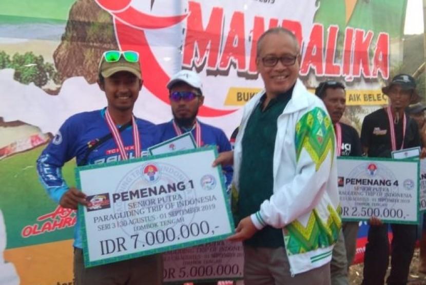 Kementerian Pemuda dan Olah raga (Kemenpora) kembali menggelar Paralayang Trip of Indonesia (TroI).