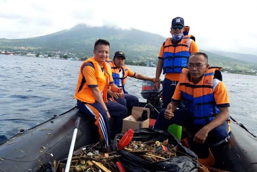 Kementerian Perhubungan cq. Direktorat Jenderal Perhubungan, saat ini, telah menyusun strategi pengelolaan sampah plastik yang berasal dari aktivitas transportasi laut.