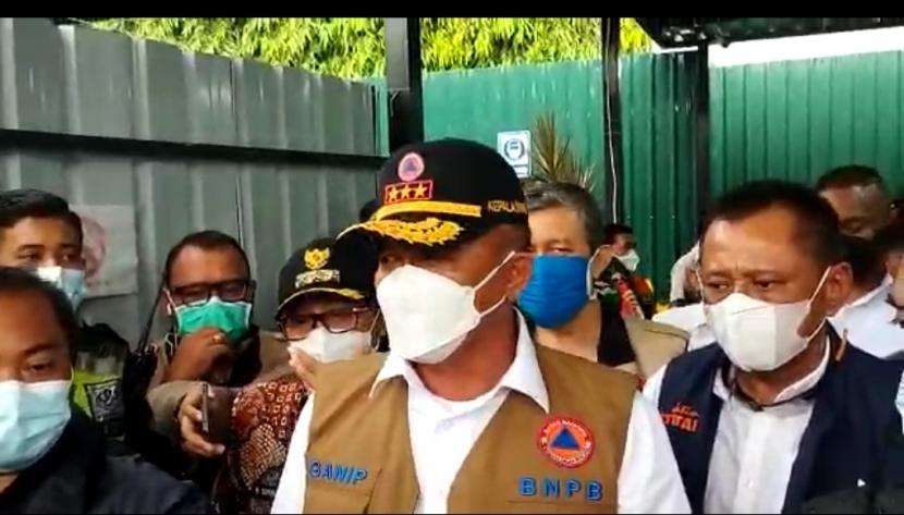Kepala Badan Nasional Penanggulangan Bencana (BNPB) RI, Ganip Warsito mengunjungi RS Lapangan Idjen Boulevard Kota Malang, Jumat (11/6).