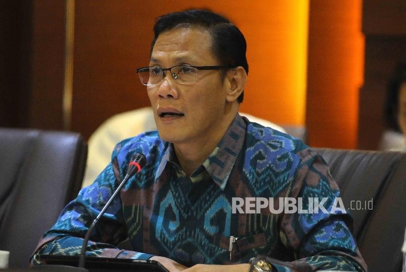 Kepala Badan Pusat Statistik (BPS) Suhariyanto memberikan keterangan kepada wartawan terkait inflasi pada bulan Januari di Gedung BPS Jakarta, Rabu (1/2).