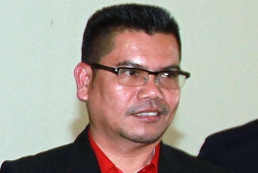 Kepala Divisi Sungai Besar Partai UMNO, Datuk Seri Jamal Yunos menjadi buruan pihak kepolisian Malaysia setelah dikeluarkan surat perintah penangkapan, Jumat (1/6).