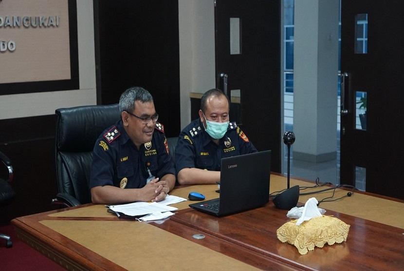 Kepala Kantor Bea Cukai Manado, M Anshar mengajak seluruh instansi yang terlibat dalam kegiatan ekspor bisa membantu para pelaku usaha sehingga dapat memajukan bersama ekspor di Sulawesi Utara.