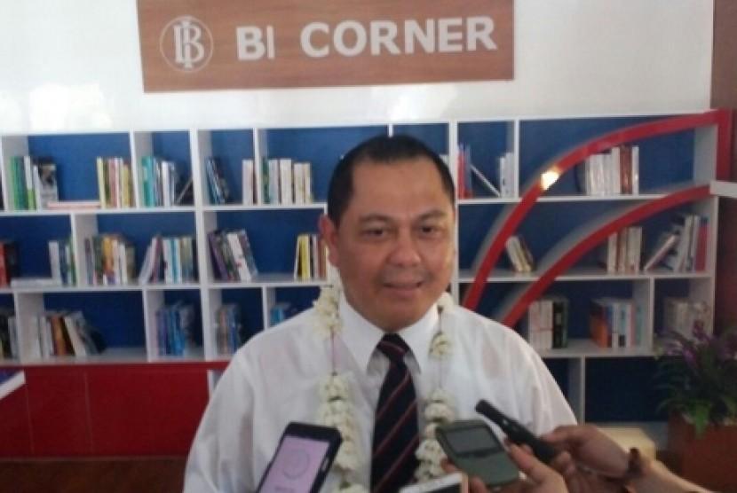 Kepala Kantor BI Perwakilan Tasikmalaya Heru Saptaji meresmikan BI Corner di SMAN 1 Pangandaran, Rabu (14/3)