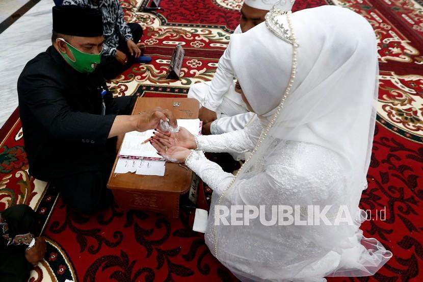 Ribuan Calon Pengantin Batalkan Pernikahan Sepanjang PPKM (ilustrasi).